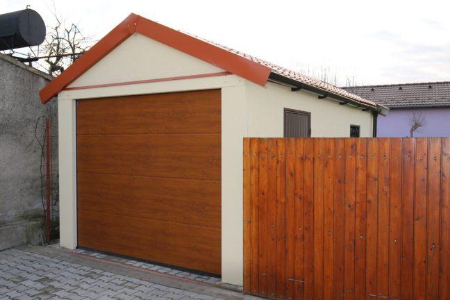 Montovaná garáž so sedlovou strechou pre jedno auto