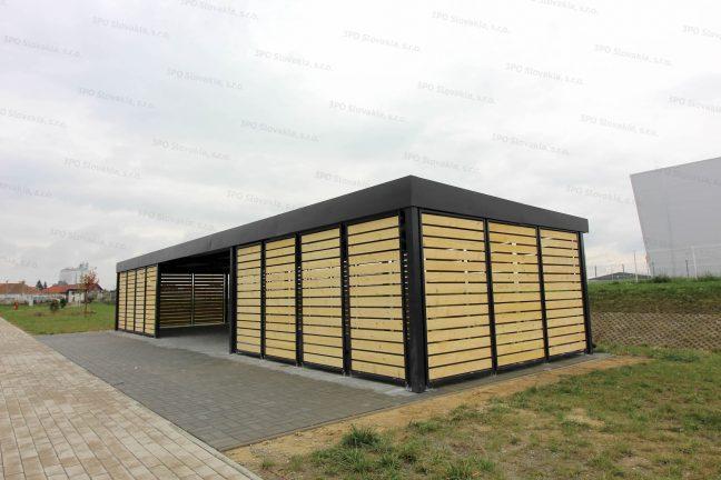 Dizajnový prístrešok na fajčenie s drevenými výplňami