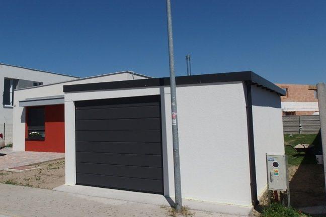 Biela garáž pre jedno auto