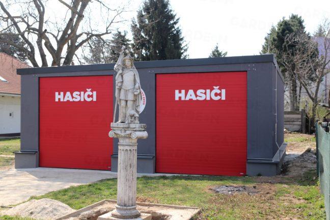 Moderná garáž pre hasičov