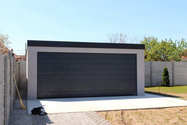 Dvojgaráž s rovnou strechou v sivej farbe