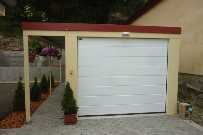 Oceľová garáž pre jedno auto s prísteškom