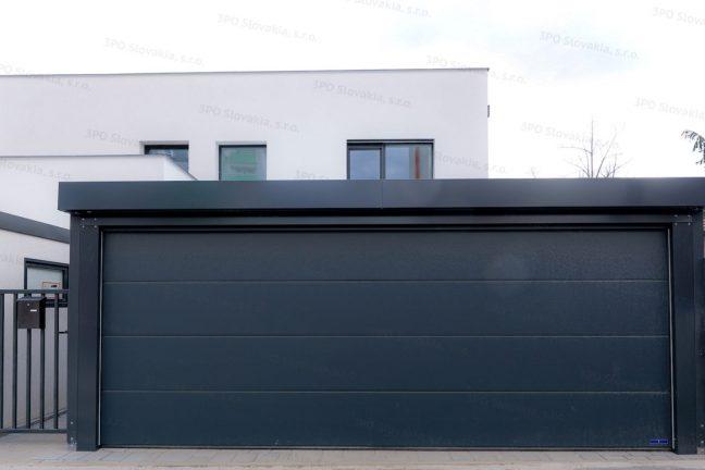 Montovaný prístrešok SIEBAU pre dve autá pri rodinnom dome