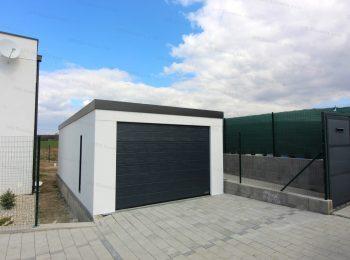 Montovaná garáž GARDEON pre jedno auto v bielej omietke