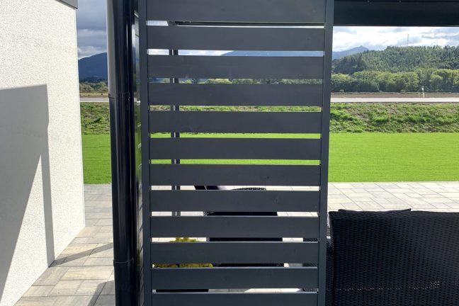 Dizajnové výplne na pergolu GARDEON v tmavo-sivej farbe