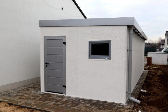 Zadná strana garáže pre jedno auto
