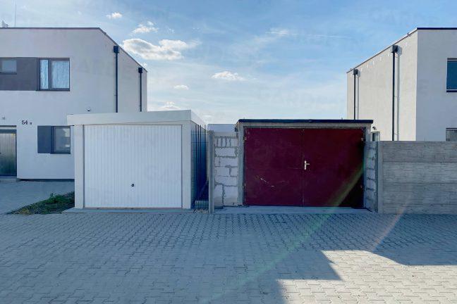 Montovaná a betónová garáž