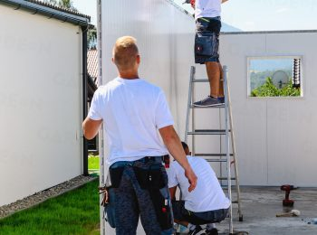 Montáž izolovaných panelov garáže GARDEON
