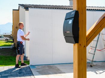 Montáž panelov garáže GARDEON