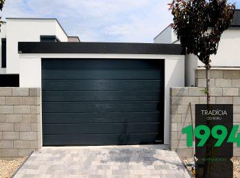 Presný vchod do garáže pre jedno auto
