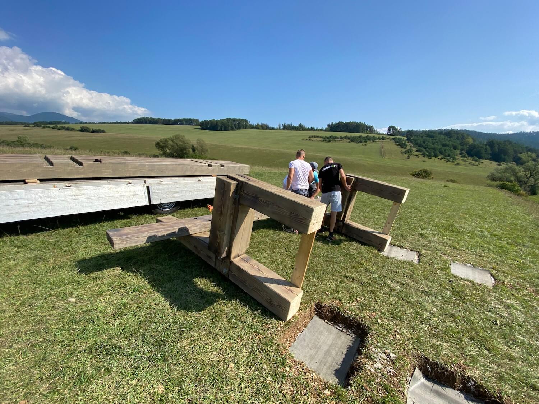 Priebeh stavby lavičky GARDEON