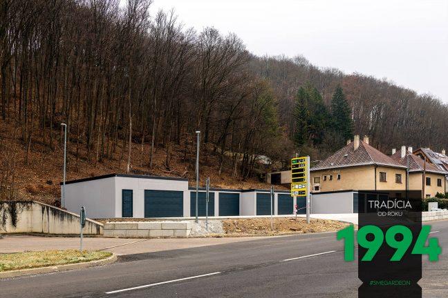 Radová montovaná garáž