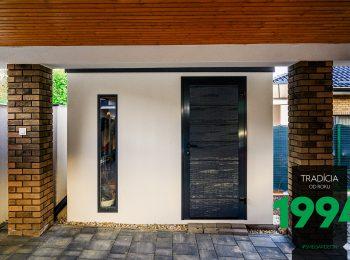 Záhradný domček s tmavou atikou